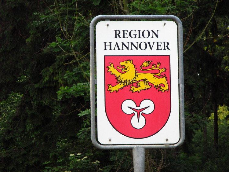 Wappen der Region Hannover am Rande von Wunstorf| Foto: Daniel Schneider