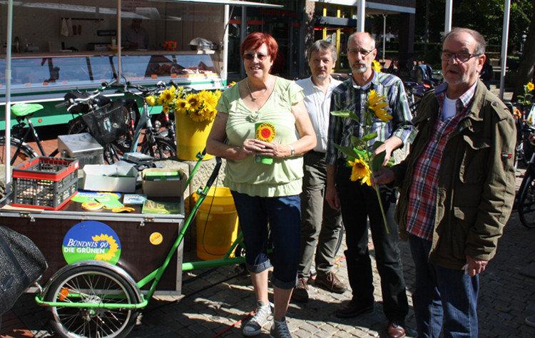 Wahlstand der Grünen auf einem Lastenrad | Foto: Daniel Schneider