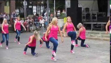 Bild von Tanzgruppen des TSV Bordenau auf dem Wunstorfer Altstadtfest