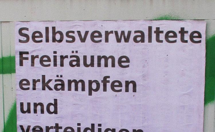 In Wunstorf plakatierter Aufruf zur Demonstration für die Wohnwelt-Selbstverwaltung | Foto: Daniel Schneider