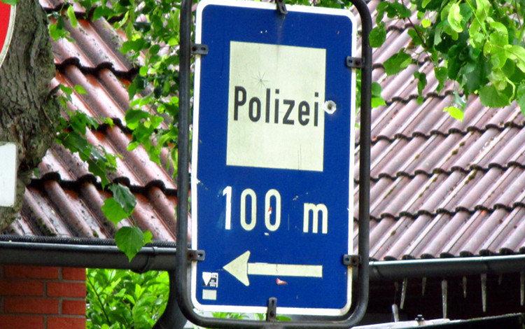 polizeihinweisschild