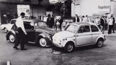 Bild von Autounfall mit VW Käfer und Fiat 500