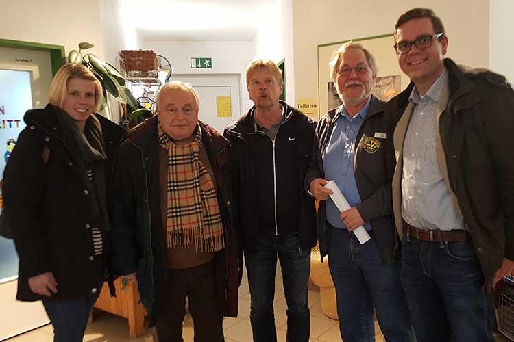 SPD Begehung im Tierheim Wunstorf. (v.l. Ronja Sempf, Horst Koitka, Dr. Klaus Sempf, Horst Rode, Torben Klant) | Foto: privat