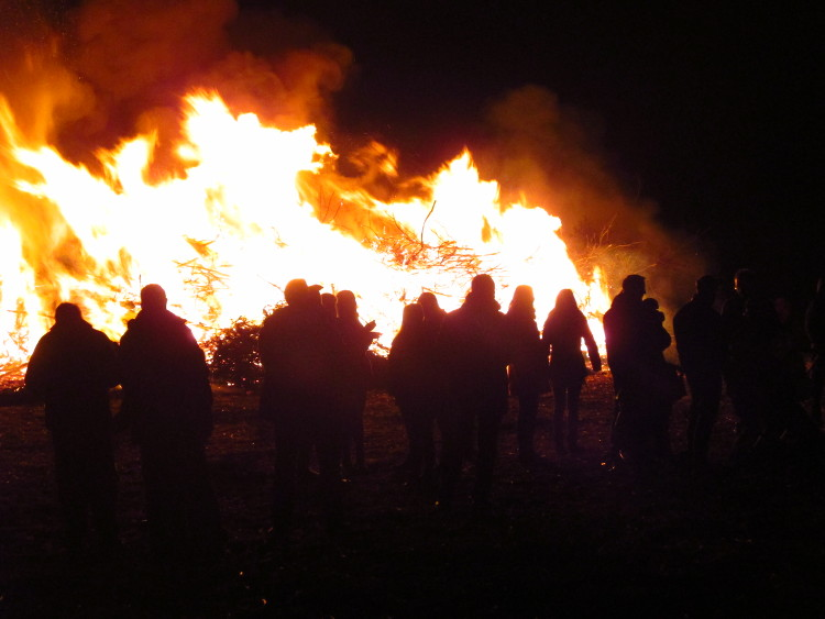 Osterfeuer in Wunstorf