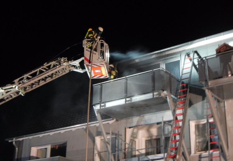 Photo of Feuerwehren verhindern Dachstuhlbrand