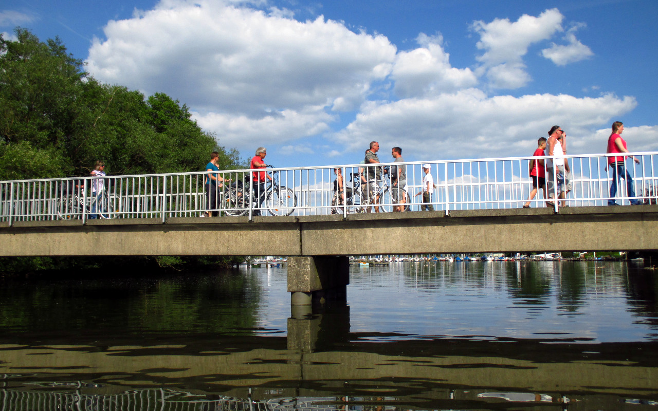 Badeinselbrücke