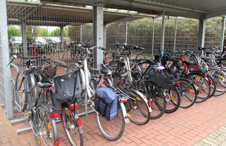 Fahräder am Bahnhof