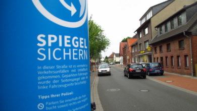 Bild von Polizei lässt Warnschilder für Parkende aufstellen