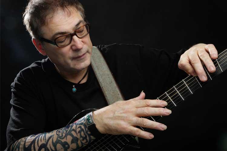Photo of Kanadischer Gitarrenvirtuose Don Alder spielt im Filou