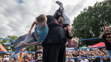 Bild von Wrestler brachten das Scheunenviertel zum Beben