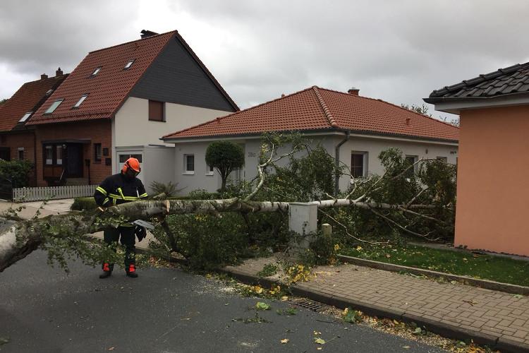 Photo of Feuerwehren im Sturmeinsatz