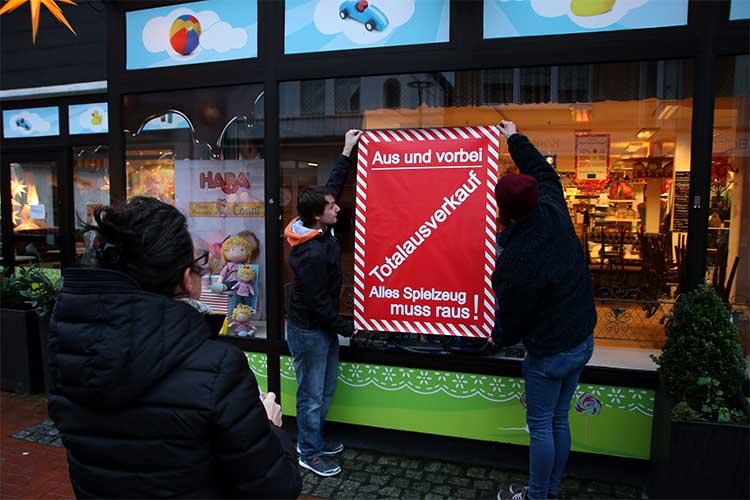 Photo of Warum Wunstorf seinen kunterbunten Spielwarenladen verliert