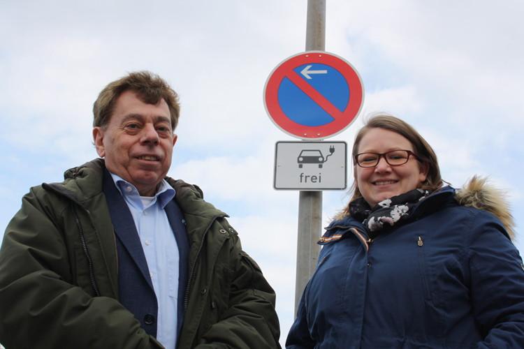 Photo of Elektrofahrzeuge dürfen ins Parkverbot