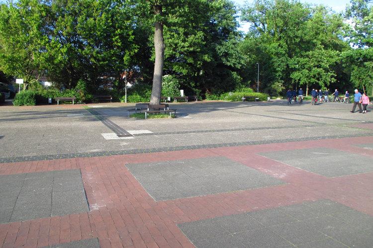 Strandterrassenvorplatz in Steinhude