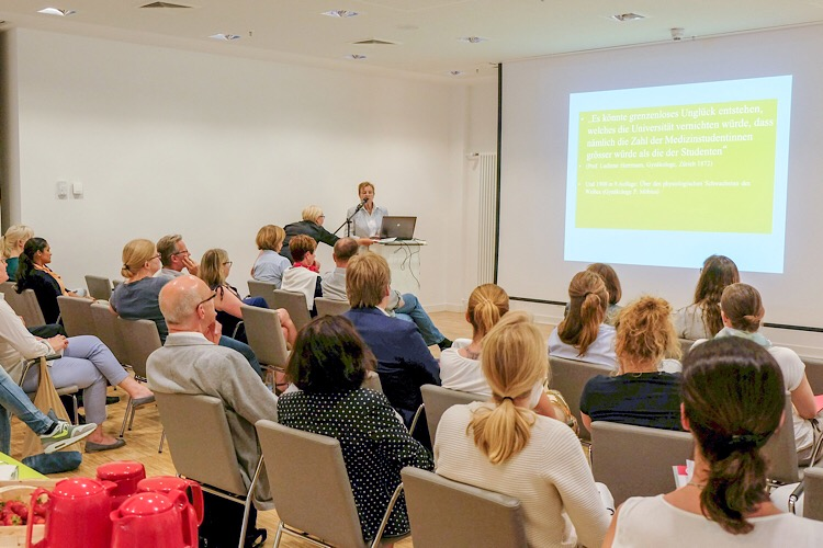 Photo of Erstmals Mentoring-Programm für Ärztinnen im KRH