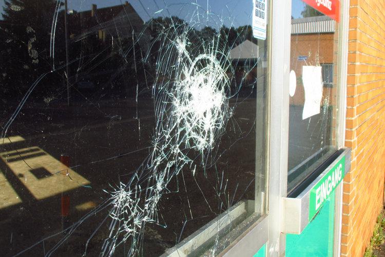 Beschädigte Fensterscheibe