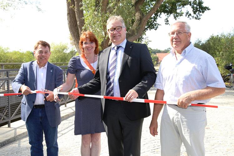 Wiedereröffnung Osterriehebrücke Idensen