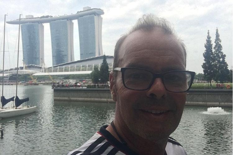 Vor dem Marina Bay