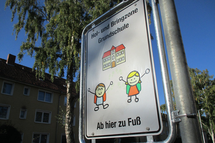 Hol- und Bringzone Elterntaxis