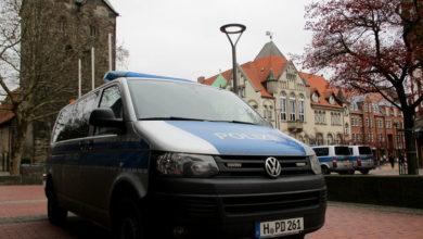 Bild von Stadt und Polizei kontrollieren Gastronomie