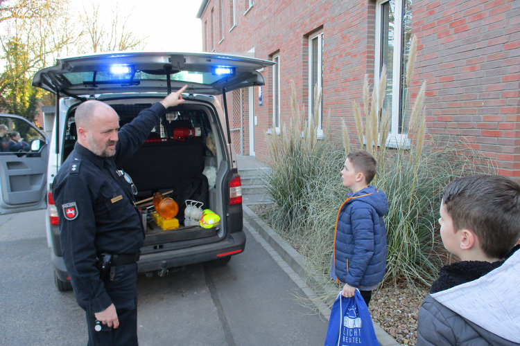 Polizeifahrzeug erklärt