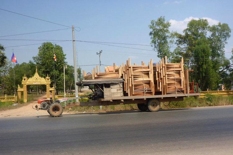 Möbeltransport in Kambodscha