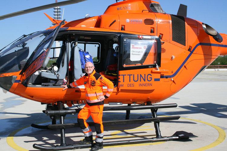 Photo of Im Rettungshubschrauber fliegt nun ein Wunstorfer mit