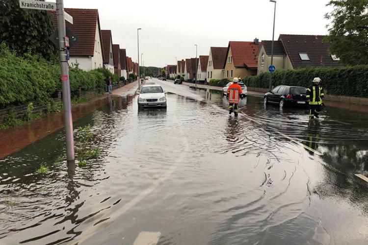 Photo of Gewitterregen überflutet Wunstorfer Straßen