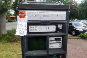 Parkschein am Parkscheinautomaten