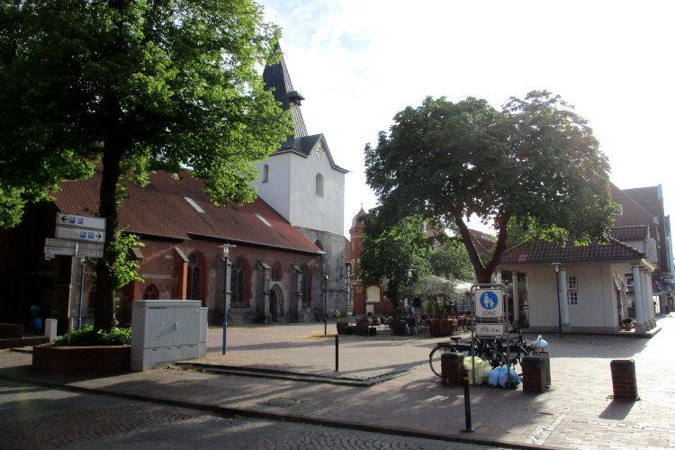 Photo of Versuchter Brandanschlag in Neustadt