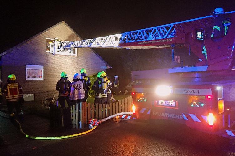 Photo of Bewohner aus brennendem Haus gerettet