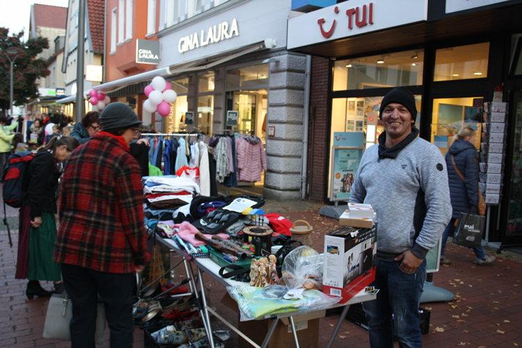 Photo of Flohmarkt top, Demo Flop