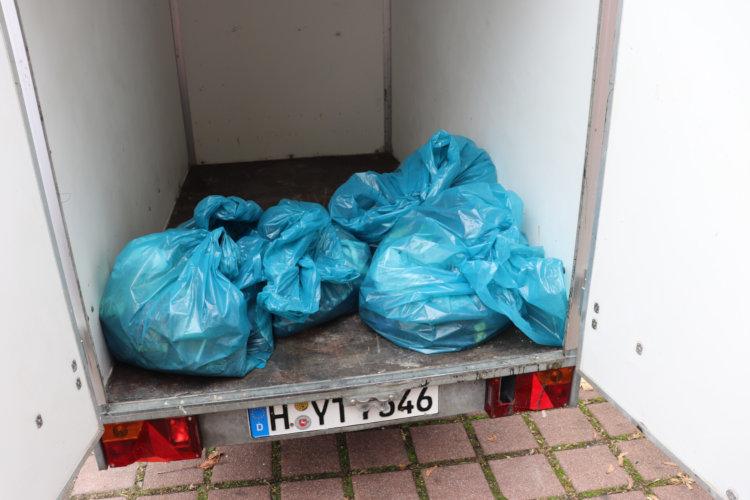 Müllsammelaktion im Blumenauer Wäldchen