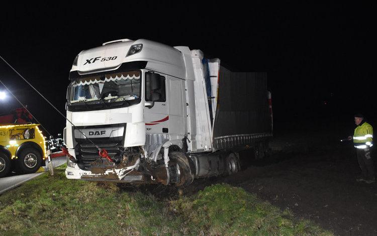 Photo of Zusammenstoß von Auto und LKW