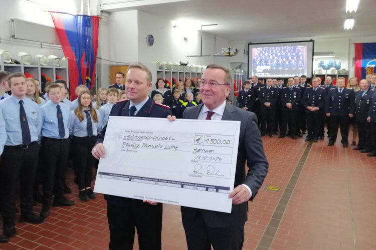 Innenminister Boris Pistorius bei der Feuerwehr Luthe