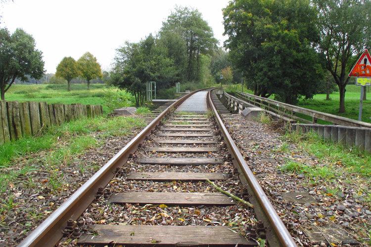 Gleise der Meer-Bahn