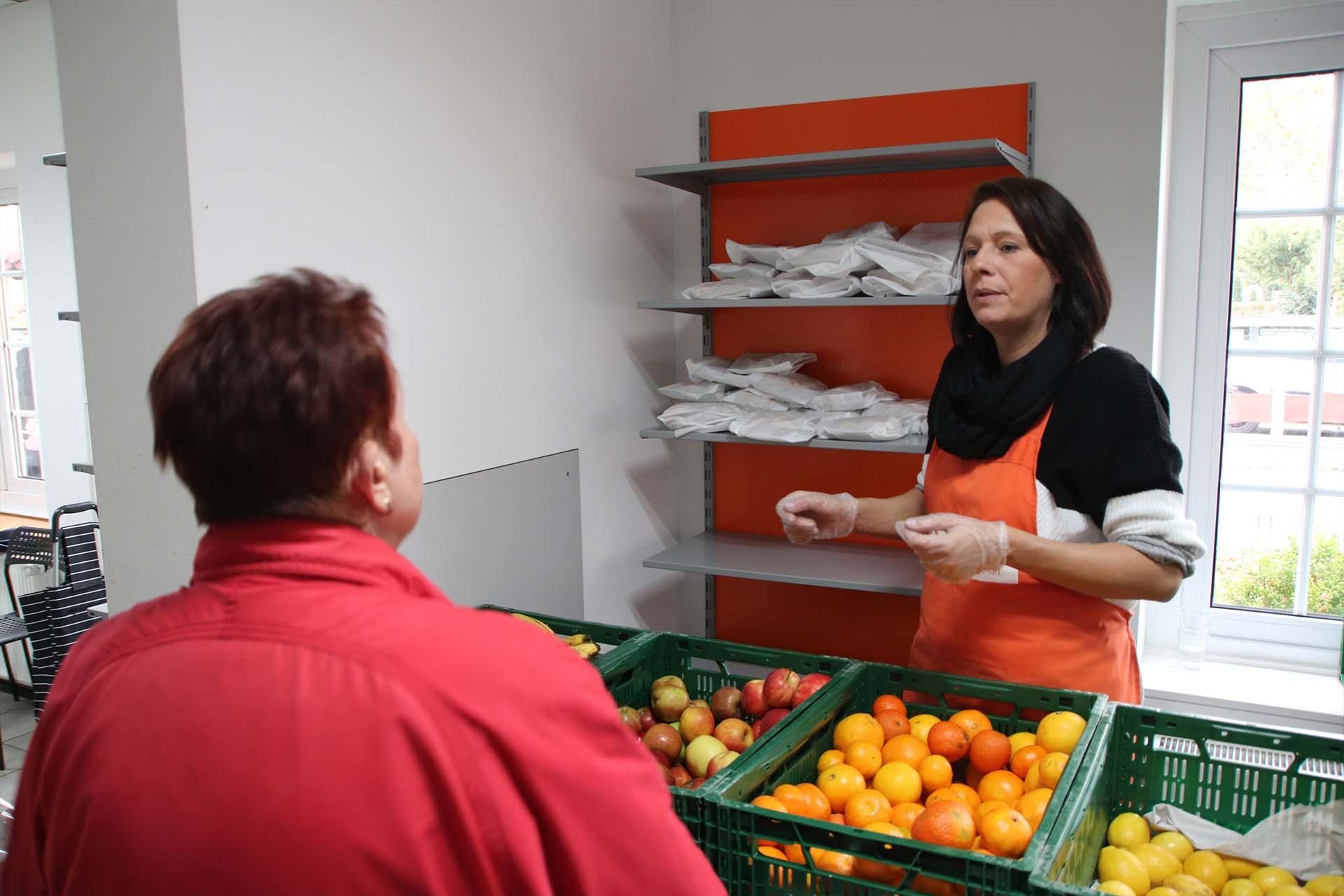 Lebensmittelausgabe in der TRafel
