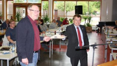 Bild von Bernd Wischhöver erhält Ehrenring der Stadt Wunstorf