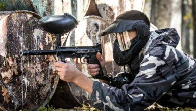 Bild von Mit Fake-Maschinengewehr auf dem IGS-Schulhof