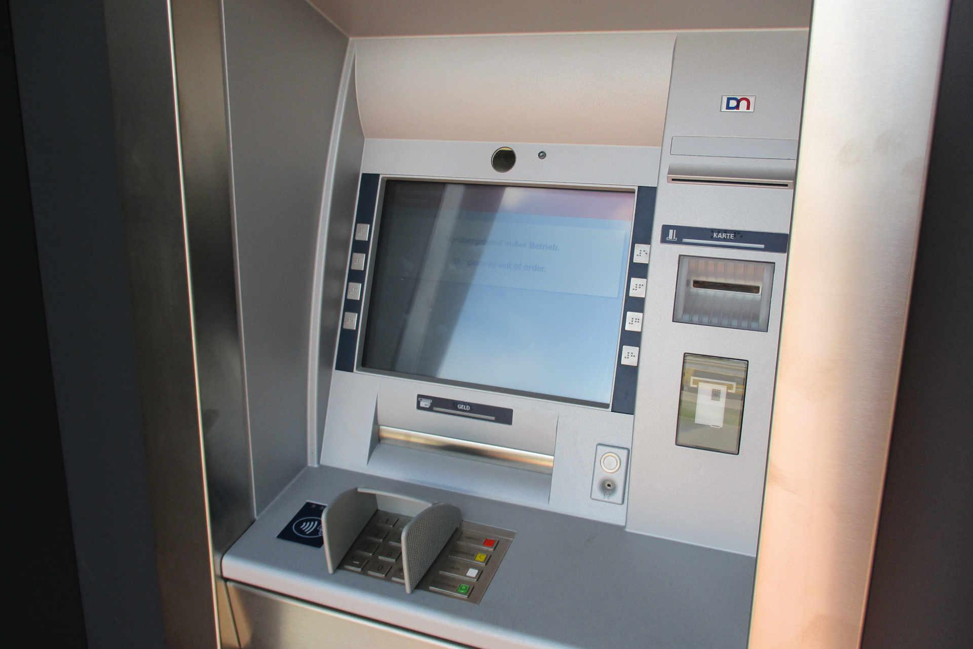 Kubus-Geldautomat