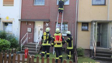 Bild von Feuerwehr auf der Suche nach der Alarmursache