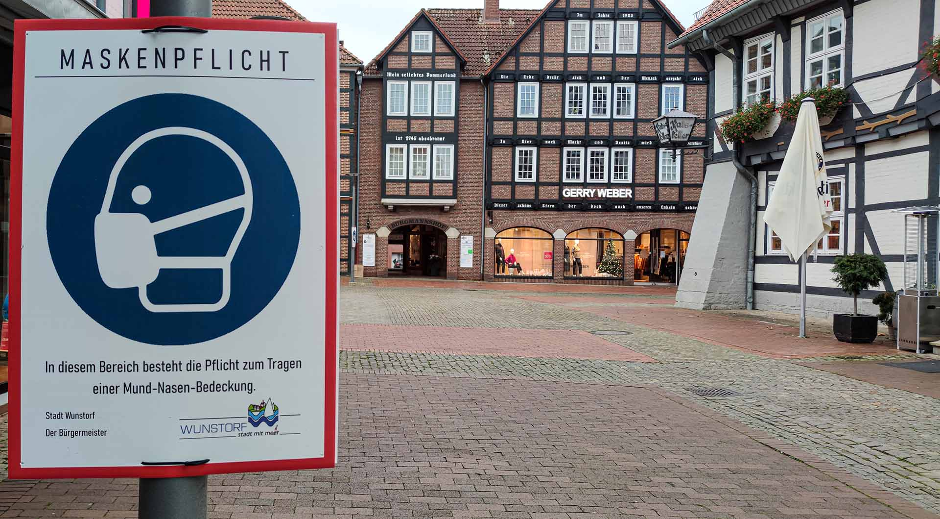 Maskenpflicht in der Fußgängerzone Wunstorf