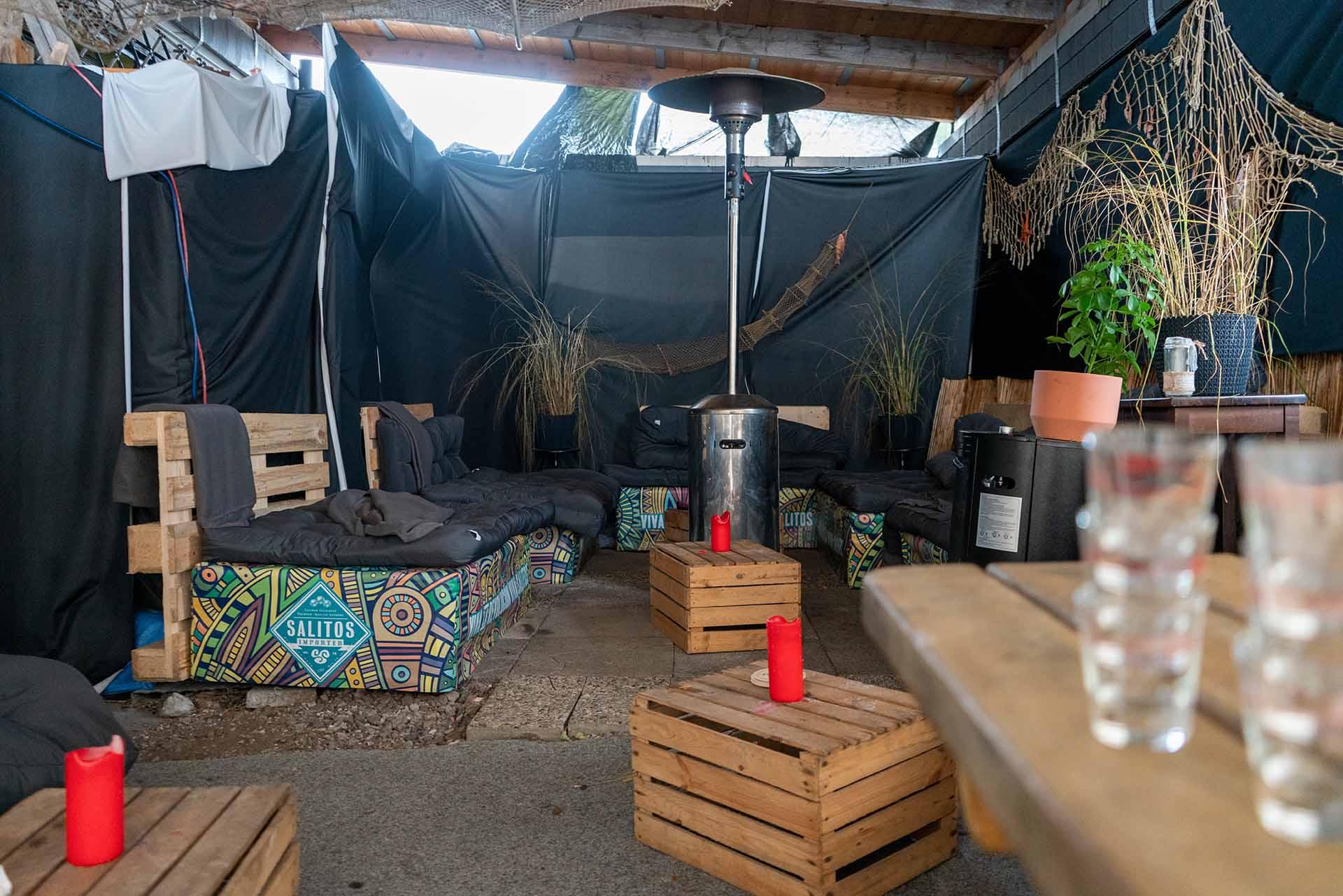 Die Lounge im Außenbereich stand bis zur nächsten Schließung nur kurz zur Verfügung