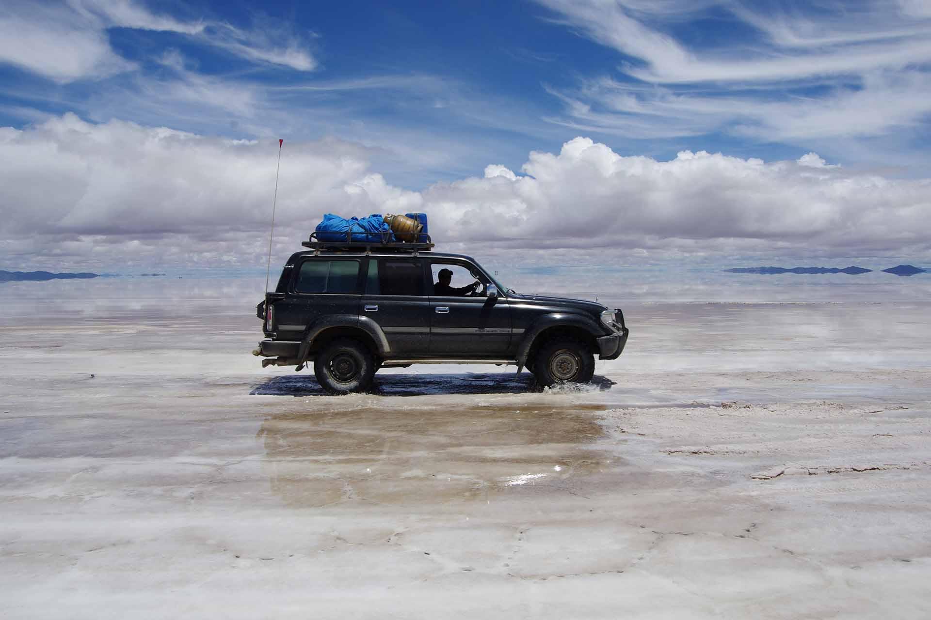 Mit dem Landcruiser durch die Salzwüste