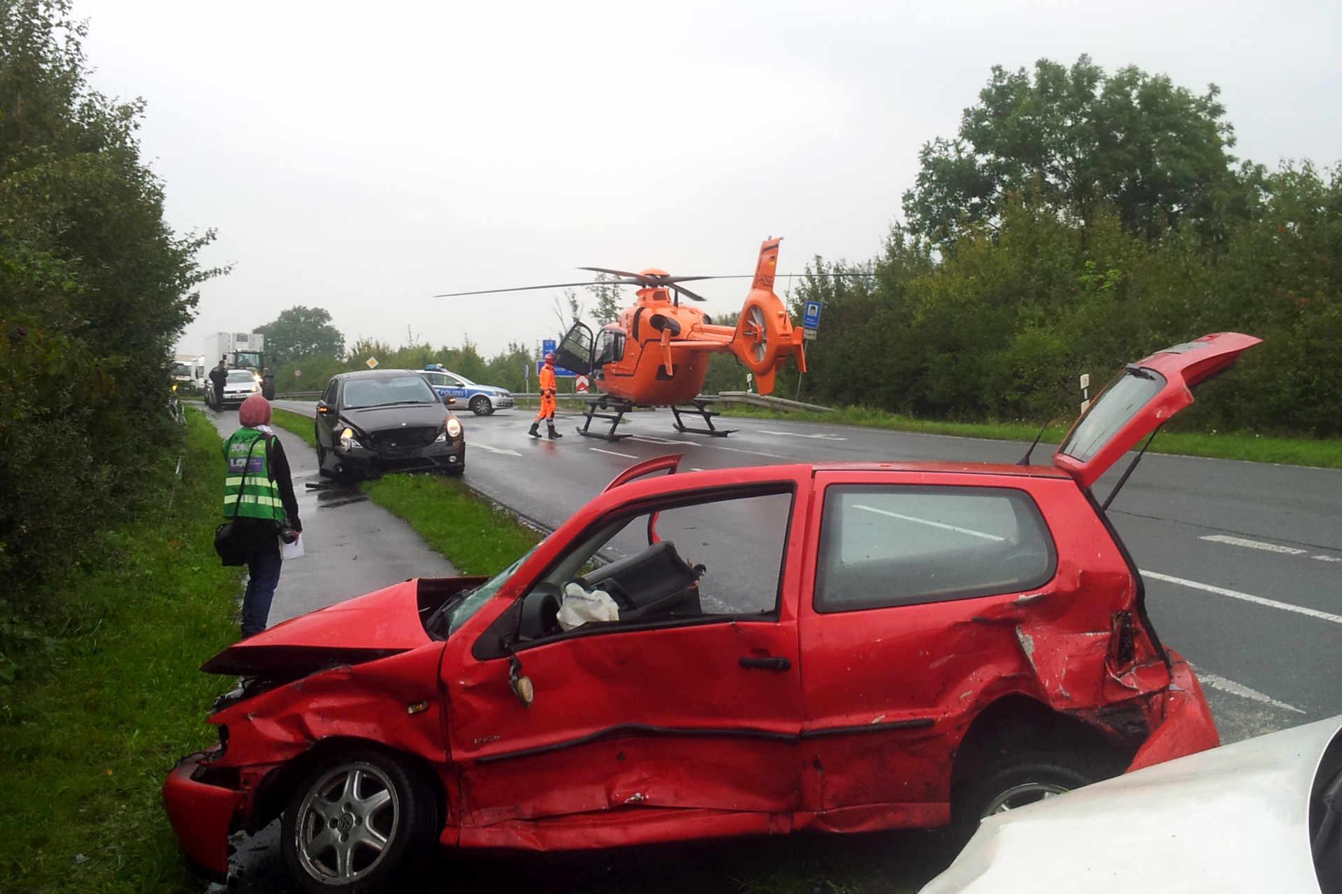 Verkehrsunfall mit Rettungshubschrauber